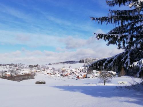 Vesnička z protějšího kopce